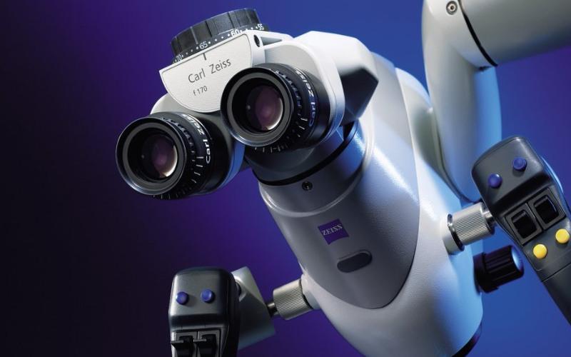 Leczenie kanałowe zębów pod mikroskopem.